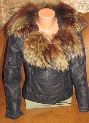 Куртка пуховик косуха воротник натуральный енот