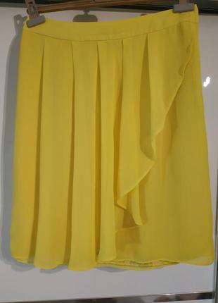 Жёлтая юбка миди