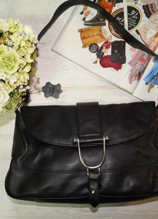 Essentiel. кожа. красивая сумка средних размеров