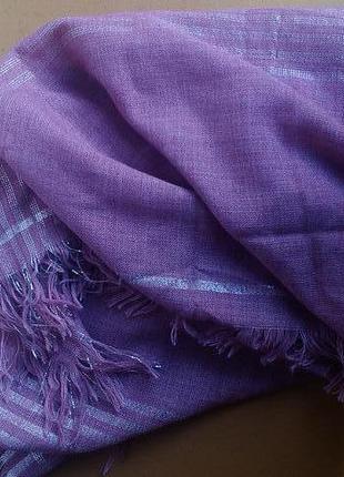 Нежный шерстяной платок с серебряной нитью