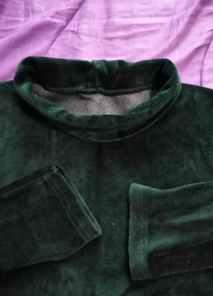 Темно-зелёная водолазка (гольф) удобная и мягкая.
