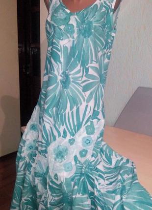Шикарное длинное летнее платье бирюзовые цветы,  с аппликацией на груди и подоле