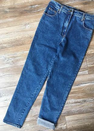Крутейшие джинсы mom от бренда americano . качество не износимое. плотный джинс.