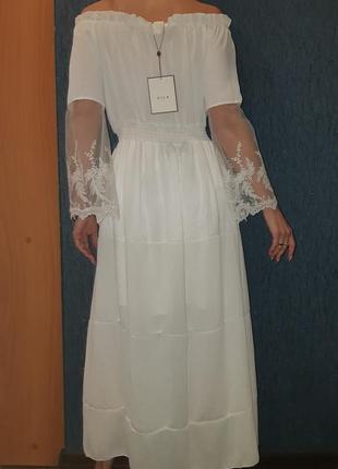 Белое платье макси  vila с открытыми плечами