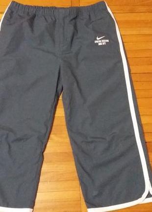 Спортивные бриджи серого цвета nike размер м