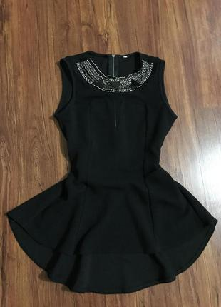 Блуза с рюшами , чёрная с камнями, со стразами
