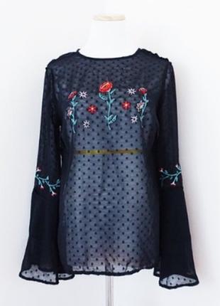 Блуза чёрная шифоновая в горошек с вышивкой с рукавами клёш воланами бохо primark