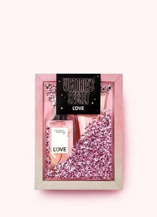 Подарочный набор love victoria's secret1 фото