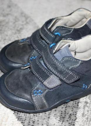 Замшевые ботинки clarks first shoes размер 6 н на 23