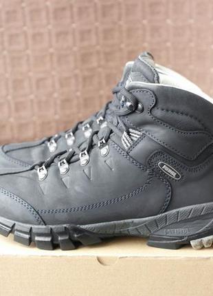 Meindl р.38,5-25см кожаные ботинки трекинговые.