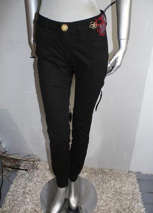 Черные джинсы desigual