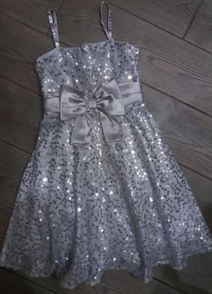 Шикарное платье m&s 122см на 7-8лет в отличном состоянии пайетки