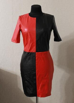 Стильное платье кожзам,р.xs-s