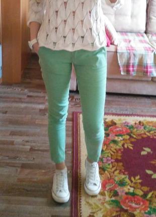 Крутезні класичні літні штани мятного кольору
