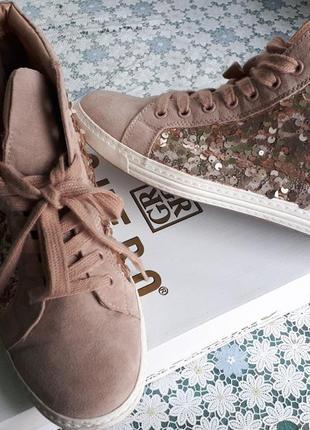 Пудровые замшевые спортивные ботинки на шнуровке в пайетках/высокие кеды/gracelend