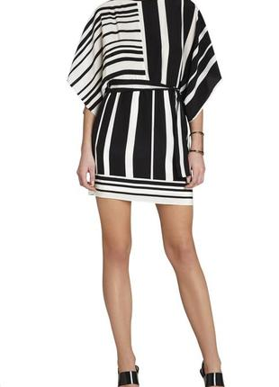Шелковое чёрно-белое платье кимоно bcbgmaxazria