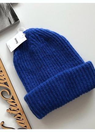 Новая яркая шапка sinsay очень стильная