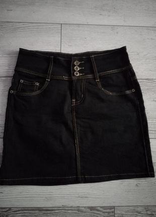 Класична чорна джинсові спідничка