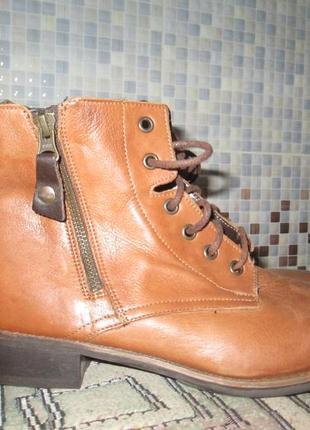 Ботинки lasocki р.38.натур.кожа.оригинал.сток.читаем...