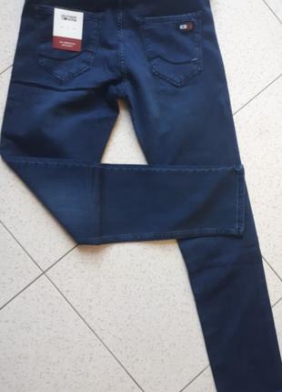Красивые мужские джинсы tommy hilfiger