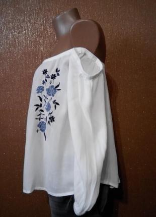 Блузка с вышивкой открытые плечи асимметричный низ размер 12 abercrombie&fitch