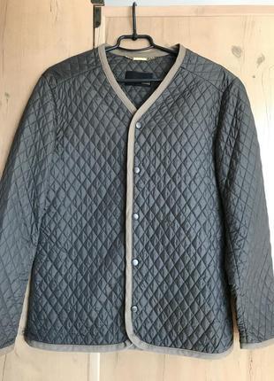 Легкая стеганная курточка
