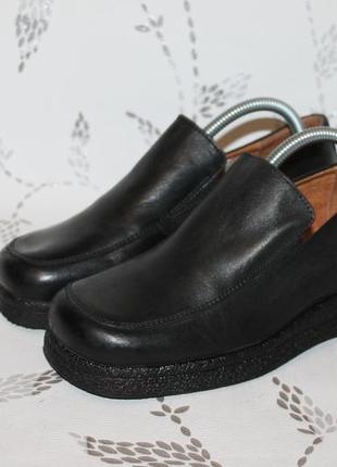 Комфортные кожаные туфли на танкетке от ten points 37 размер