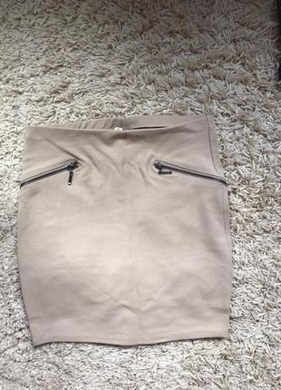 Обтягивающая мини юбка с замочками