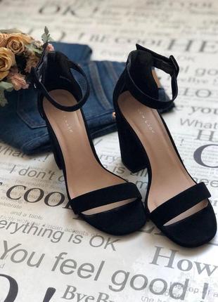 Шикарные стильные туфли на каблуке от new look