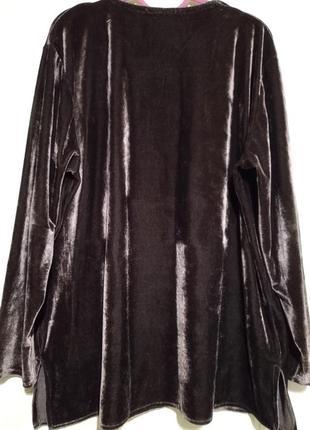 Бархатный пуловер шоколадного цвета с отливом.2 фото