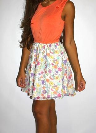 Яркое платье, юбка шифоновая в цветочках  --срочная уценка --
