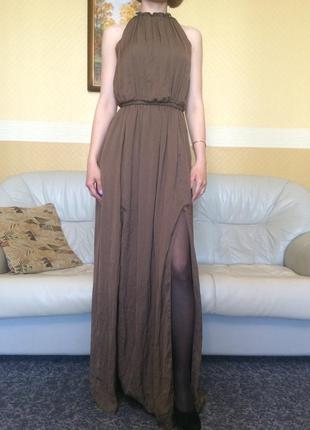 Обалденно красивое платье в пол, открытая спина, с разрезами