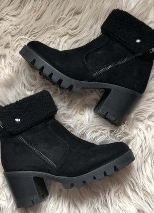 Зимние ботинки на удобном каблуке из искусственной замши leinuo