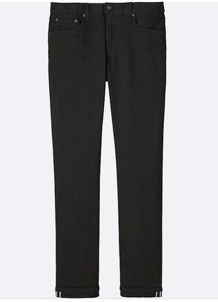 Черные джинсы из плотного денима от uniqlo