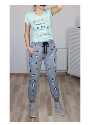 Стильные,спортивные штаны в принт,на резинке,высокая посадка