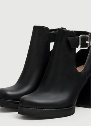 Ботинки на каблуке pull and bear размер 36 37 38 39 40 41