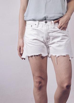 Круті білі рвані шорти від ralph lauren
