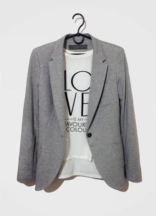 Классный пиджак серого цвета италия