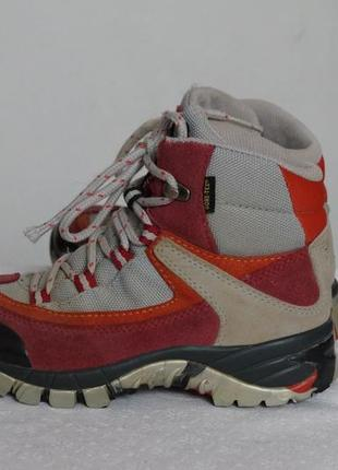 Трекинговые ботинки raichle