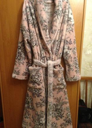 Теплый халат. цветочный принт. 12-14 р.