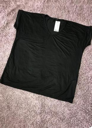 Новая футболка свободного кроя