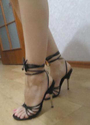 Стильные фирменные босоножки на шнуровках schuh, р. 36 код s3631