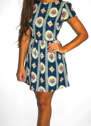 Изумрудное платье в орнаментах — срочная уценка товара —