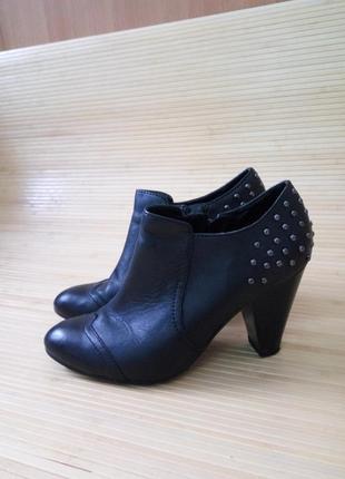 Кожаные черные ботинки с заклёпками 5th avenue