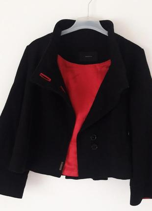 Шерстяне пальто відомого італійського бренду