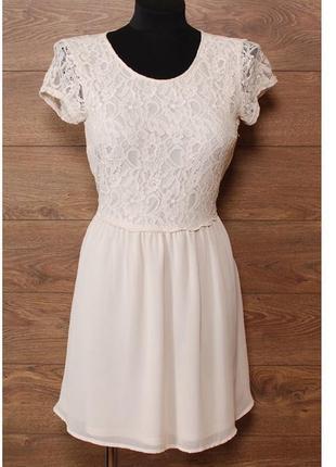 Романтично-женственное платье из гипюра и легкого шифона р. м