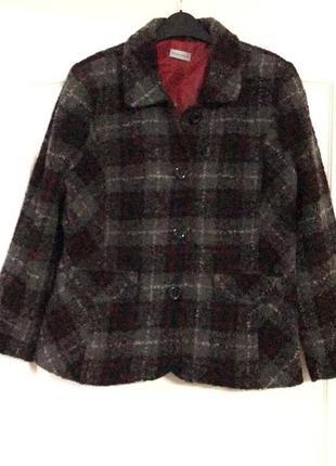 Куртка пиджак в клетку finnkarelia!