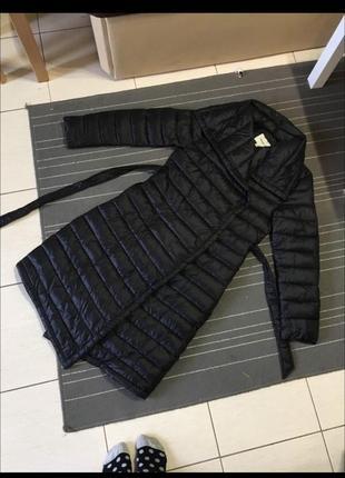 Пальто черное стильное стёганное залатного кроя
