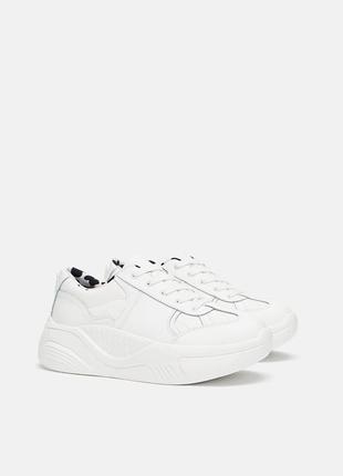 Кожаные белые кроссовки на платформе zara