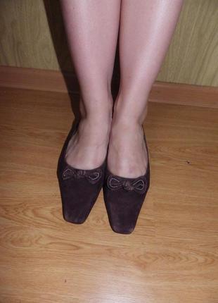 Удобные симпатичные туфельки/24 см/нат.замш/низкий ход/wide fit,